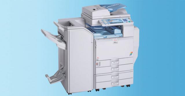 Stampante di rete RICOH MP C4500 e GNU/Linux